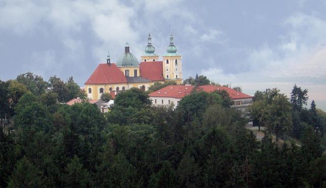 kostel u lesa