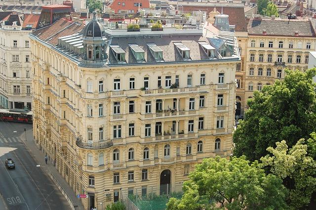 budova ve Vídni.jpg